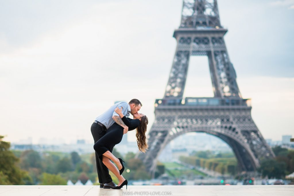 Photographer in Paris. paris photographer. Eiffel tower photo sesion